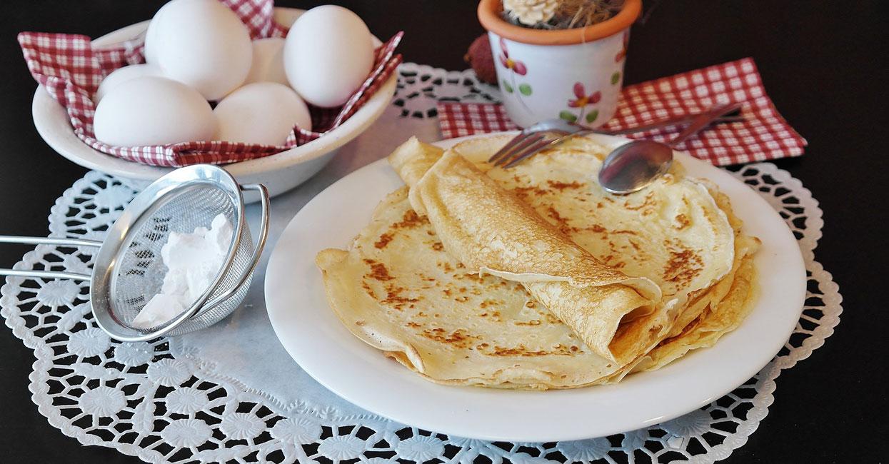Maślane naleśniki śniadaniowe